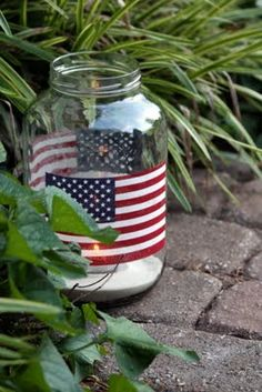 Easy Fourth of July candleholders made from  pickle jars (@ Sweet Something Designs)
