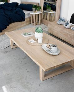 Coffee Table Rectangle, Coffee And End Tables, Diy Coffee Table, Modern Coffee Tables, Table Cafe, Diy Dining Table, Diy Home Furniture, Diy Home Decor, Pallet Benches