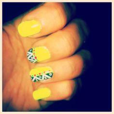Aztec nails #naildesign #neonnails #yellow #nailart #aztec