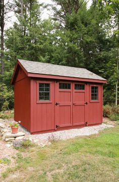 This 10' x 12' Garden Special Cape shed looks like it has always belonged here. Simple, but eye catching. Painted Garden Sheds, Painted Shed, 10x12 Shed, She Sheds, Potting Sheds, Shed Design, Built In Storage, Raised Beds, Cape
