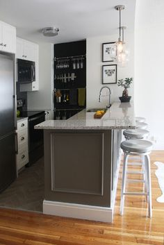 8 Beautiful Clever Tips: Long Kitchen Remodel Ceilings kitchen remodel layout stove.Small Kitchen Remodel One Wall farmhouse kitchen remodel diy.Kitchen Remodel Checklist Home. Kitchen And Bath, New Kitchen, Kitchen Decor, Kitchen Ideas, 1970s Kitchen, Small Condo Kitchen, Ranch Kitchen, Long Kitchen, Basement Kitchen