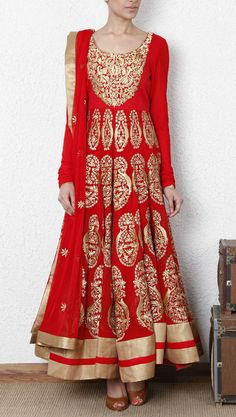 #Indian #Wedding #Indian #Bride #Anarkali  www.indianroots.com