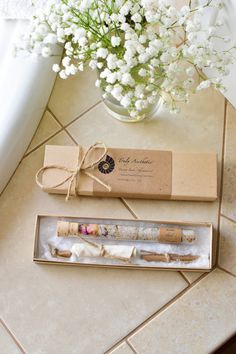 These Organic & All Natural Bath Salt Test Tubes make lovely stocking stuffers! (AFF)