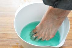 How to Get Rid of Toenail Fungus Fast | eHow