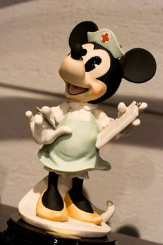 Minnie Nurse Porcelain Disney Figurine by Giuseppi Armani