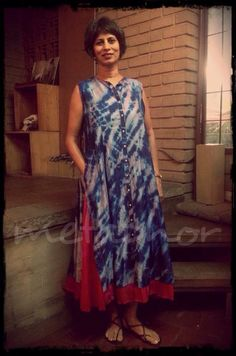 Blouse And Skirt, Blouse Outfit, Very Good Girls, Ethnic Outfits, Indian Attire, Silk Dress, Blouse Designs, Cool Girl, Designer Dresses