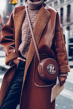 Obsessed with this cognac leather Michael Kors Collection crossbody bag. Wore it to the show during NYFW and paired with sherpa coat, Fendi sweater, and leather pants Summer Dress Outfits, Fall Fashion Outfits, Casual Fall Outfits, Love Fashion, Trendy Fashion, Winter Fashion, Womens Fashion, Fashion Design, Fashion Clothes