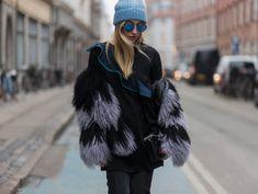 Come scegliere il cappello in base alla forma del viso | Donna Moderna Love Hat, Karl Lagerfeld, Fur Coat, Hats, Jackets, Fashion, Shape, Down Jackets, Moda