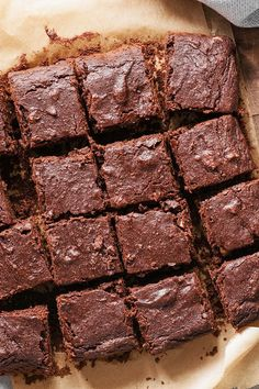 Healthy eating and brownies - don't they go together? Not quite right: We have a recipe for diet-friendly protein brownies. Diet: These protein brownies are diet-compliant - and still taste delicious Annette Bader nettifahl low carb backen Heal Protein Brownies, Protein Desserts, Protein Snacks, Health Desserts, Healthy Diet Tips, Healthy Protein, Healthy Sweets, Diet And Nutrition, Healthy Eating