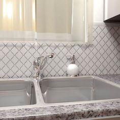 Merola Tile Arabesque Glossy White 9-7/8 in. x 11-1/8 in. x 6 mm Porcelain Mosaic Floor and Wall Tile-FDXARGW - The Home Depot