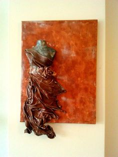 Showing off! by Kate Brooks on Etsy Human Sculpture, Paper Mache Sculpture, Mixed Media Canvas, Mixed Media Art, Hummingbird Painting, Mannequin Art, Wire Art, Texture Art, Stone Art