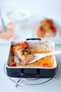 Baked salmon with red pesto
