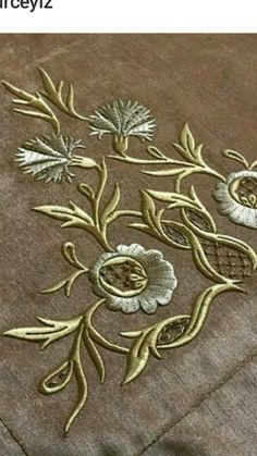 This Pin was discovered by Fat Types Of Embroidery, Gold Embroidery, Machine Embroidery Patterns, Abstract Embroidery, Art Nouveau Pattern, Motif Vintage, Couture Embroidery, Brazilian Embroidery, Embroidery Transfers