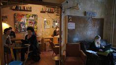 Wir haben geschaut, an welchen Orten man in Berlin entspannt bei einem Kaffee arbeiten kann, wenn man kein Büro hat und nicht zuhause arbeiten möchte.