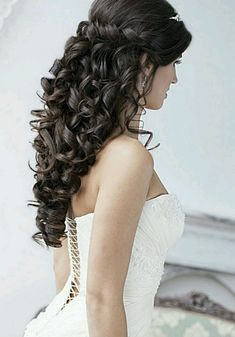 wedding hairstyles down archives 70 wedding hairstyles for your big day elegant wedding hairstyles best wedding hairstyles updo 30 cute … Prom Hair Updo, Curly Wedding Hair, Romantic Wedding Hair, Long Hair Wedding Styles, Beach Wedding Hair, Wedding Hair Down, Bridal Hair, Wedding Updo, Chic Wedding
