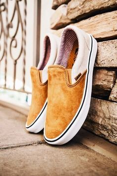 94 Ideas For Vans Sneakers Shoes Summer Crazy Shoes, Me Too Shoes, Mode Lookbook, Mode Shoes, Shoe Closet, Mode Inspiration, Vans Shoes, Shoes Sneakers, Ideias Fashion