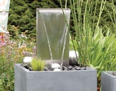 wasserfall brunnen sichtbeton grau glatt metten gartenbrunnen pinterest wasserfall. Black Bedroom Furniture Sets. Home Design Ideas