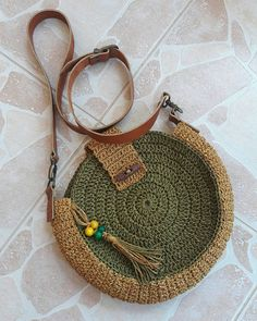 Best 12 Boho Crochet Bags – how to make your own OOAK bag – MotherBunch Crochet – SkillOfKing Crochet Tote, Crochet Shoes, Crochet Bedspread, Round Bag, Knitted Bags, Handmade Bags, Purses And Bags, Woven Bags, Bags Sewing