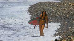 bikini wahine by bluewavechris, via Flickr