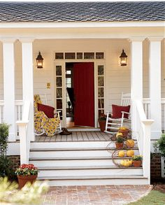 I want this front porch!