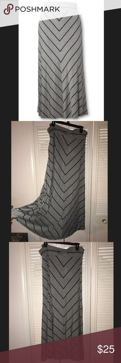 SALE! Gray and Black maxi skirt! Price Firm! Cute and comfy maxi skirt! Worn once! Skirts Maxi