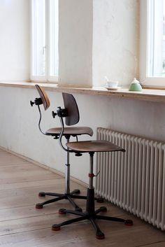 46 best dry powder images on pinterest office desks modern rh pinterest com
