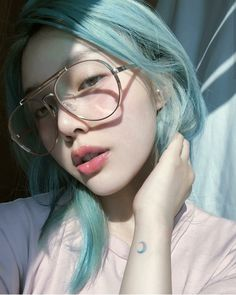 9 Korean Makeup Looks – My hair and beauty Korean Makeup Look, Korean Makeup Tips, Asian Makeup, Green Hair, Blue Hair, Japonese Girl, Pony Makeup, Pelo Multicolor, Synthetic Lace Front Wigs