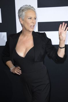 Beautiful Celebrities, Gorgeous Women, Jamie Lee Curtis Young, Jennifer Grey, Stephanie Mcmahon, Janet Leigh, Judi Dench, Gaslighting, Sexy Older Women