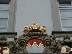 Ornament mit Drahtsystem geschützt