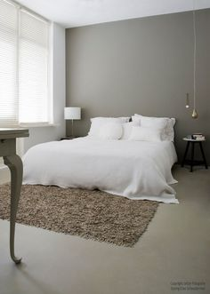 Trendy Bedroom Ideas For Small Rooms White Night Stands Ideas Small Room Bedroom, Trendy Bedroom, Home Bedroom, Modern Bedroom, Bedroom Wall, Master Bedroom, Bedroom Decor, Wall Decor, Contemporary Bedroom
