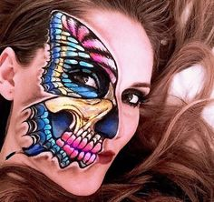 Known as The Skulltress, makeup artist Vanessa Davis creates elaborate and artistic face paint looks. Her skull makeup art is out of this world! Skeleton Face Paint, Skeleton Makeup, Skull Makeup, Face Paint Makeup, Fx Makeup, Nude Makeup, Hair Makeup, Cosplay, Vanessa Davis