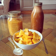 orange is the new black.. what's your happy color? carrot-fennel-ginger juice & peaches, pineapple and mango. deliciousness