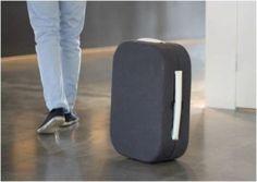 """Plus besoin de porter votre valise, elle vous suit ! """"Hop !"""" la valise Bluetooth"""