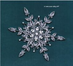 all things paper: Quilled Snowflakes