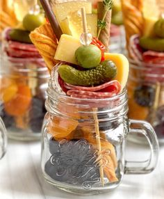 Recipes Appetizers And Snacks, Appetizers For Party, Snack Recipes, Charcuterie Recipes, Charcuterie And Cheese Board, Food Platters, Cheese Platters, Individual Appetizers, Fresco