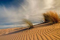Valdevaqueros se ha convertido en zona de peregrinaje para amantes del windsurf y el kitesurf procedentes de diferentes lugares del mundo, pues el Atlántico aquí es un paraíso para los practicantes de estos deportes. España, Tarifa, Andalucía #beach Cádiz.