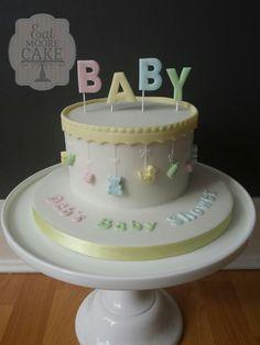 Unisex baby shower cake babyshower in 2019 детский торт, тор Unisex Baby Shower Cakes, Baby Shower Cakes Neutral, Fondant Cakes, Cupcake Cakes, Baby Shower Cake Decorations, Shower Bebe, Baby Shower Cupcakes, Unique Cakes, Novelty Cakes