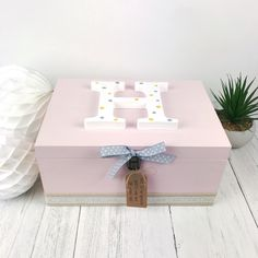Pink Baby Memory Box - Personalised Girls Keepsake Box - Polkadot - Girls Room - Christening Gift boxes for girls Pink Baby Memory Box - Personalised Girls Keepsake Box - Polkadot - Girls Room - Christening Gift Large Wooden Box, Wooden Memory Box, Wooden Boxes, Wooden Box Designs, Painting Wooden Letters, Diy Gifts For Him, Baby Box, Baby Memories, Personalised Box