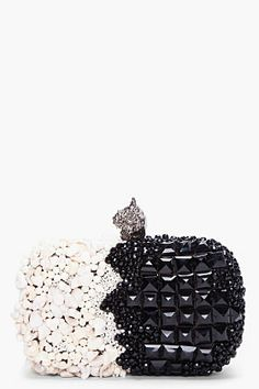 One of the most beautiful #clutches I've ever seen. I wonder how heavy it is. #accessories