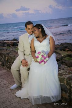 Beautiful photoshoot by the sea.  #bride #groom #wedding #zurafilmproductions #photoshoot #destinationwedding #professionalphotography