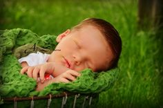 {All Seasons Photo, New London, Wi} Photography Guide 2014/15 - Newborn | Go Valley Kids