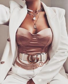 Uploaded by 𝑀𝒶𝓂𝒾 𝒬𝓊𝑒𝑒𝓃. Find images and videos about girl, fashion and style on We Heart It - the app to get lost in what you love. Boujee Outfits, Indie Outfits, Teen Fashion Outfits, Cute Casual Outfits, Look Fashion, Stylish Outfits, Womens Fashion, Fashion Trends, Summer Outfits