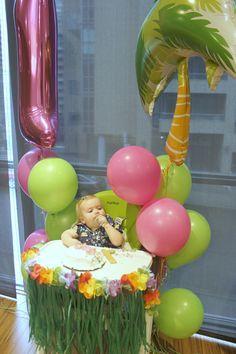 A Hula Good Time - Hawaiian Luau Inspired First Birthday - - A Hawaiian luau themed birthday party. Luau Theme Party, Moana Birthday Party, Hawaiian Birthday, Luau Birthday, Hawaiian Luau, Boy Birthday Parties, Hawaiian Parties, Moana Party, Baby Girl 1st Birthday