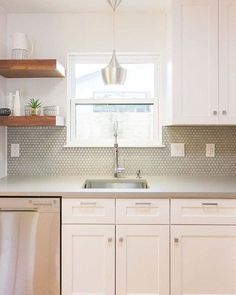 Hex Gloss Moss 1 in. - The Tile Shop