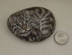 Original-Hand-Painted-Gray-Tabby-Maine-Coon-Cat-Kitty-Collectible-Art-Rock-Stone