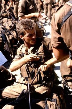 A corporal catches a last-minute smoke before a patrol, Grensoorlog, South African Border War. Vietnam Veterans, Vietnam War, Once Were Warriors, Army Day, Troops, Soldiers, Brothers In Arms, Defence Force, Military Life