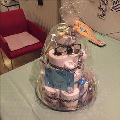 Een leuke schijt aan je leeftijd taart gemaakt!   #leukomtedoen#creatief#voorpapa