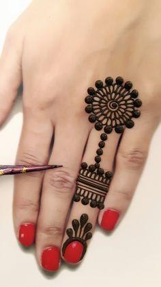 Circle Mehndi Designs, Henna Designs For Kids, Mehndi Designs Front Hand, Finger Henna Designs, Mehndi Designs Feet, Mehndi Designs For Beginners, Mehndi Designs For Fingers, Latest Mehndi Designs, Henna Tattoo Designs