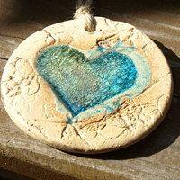 Keramika / Zboží   Fler.cz Ceramic Pottery, Clay Ideas, Tableware, Tiles, Awesome, Pottery Classes, Heart, Room Tiles, Dinnerware