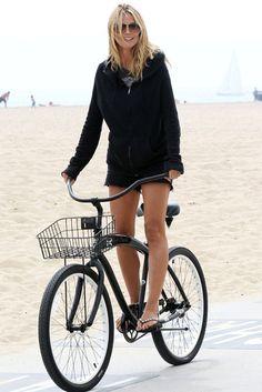 Bicycle chic: Heidi Klum